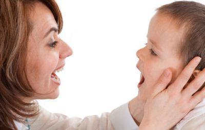 Tips melatih anak berbicara di usia 2 tahun
